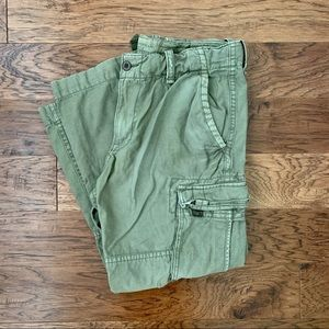 American Eagle Men's army green cargo pants